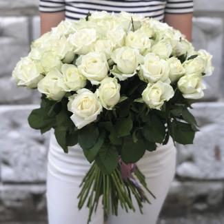 51 White Roses 70-80 cm