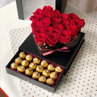 Сердце с красными розами фото