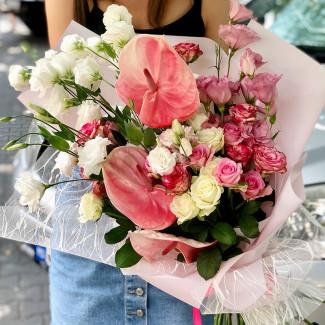Buchet cu Anthurium Roz