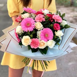 Букет красочных цветов фото