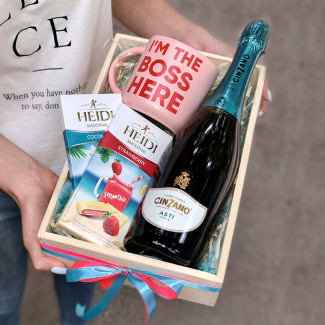 """Gift Box"""" BOSS GIRL"""""""