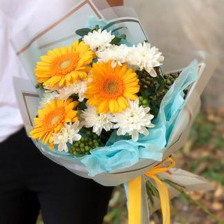 Яркий букет цветов фото