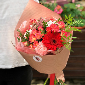 Bouquet with rose and gerbera photo