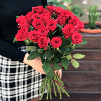 25 trandafiri roșii fotografie