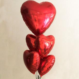 Fotografie cu balon mare inima roșie