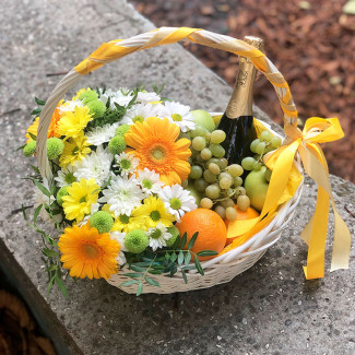 Fruit basket and champagne photo
