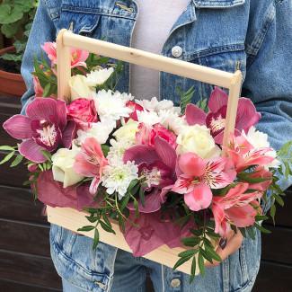 Ящик с орхидеями фото