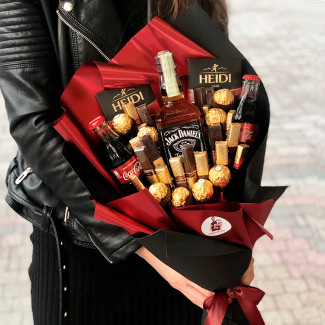 Bouquet  with Jack Daniels and chocolate photo