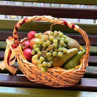 Осенняя фруктовая корзина фото