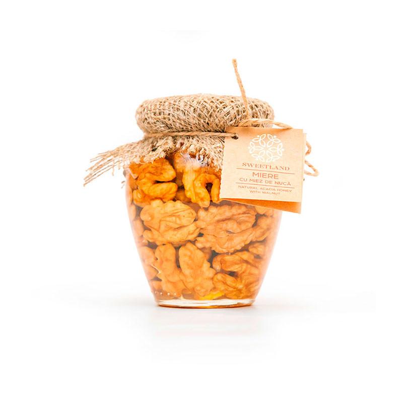 Акациевый мёд с грецким орехом фото