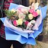 Букет из белых орхидей и роз фото