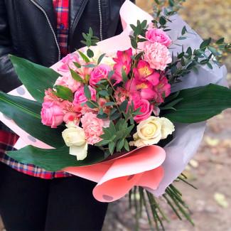 Букет малиновых роз фото