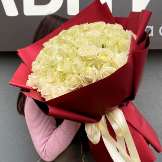 Букет из 101 белой розы фото