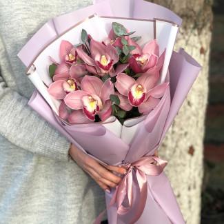Buchet de Orhidee Roz