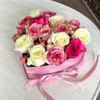 Нежные Розы в Коробке-Сердце