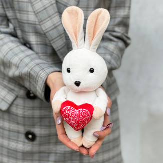 Белый Зайка с Сердечком