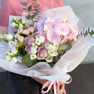 """Bouquet """"Powdery Cloud"""""""