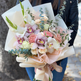 "Bouquet ""Waltz of Love"""