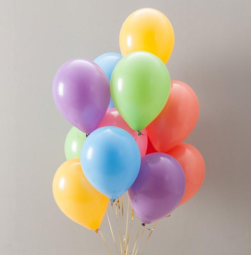 Разноцветные воздушные шарики фото