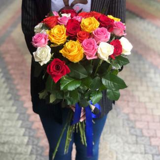 25 Assorted Roses 30-40 cm