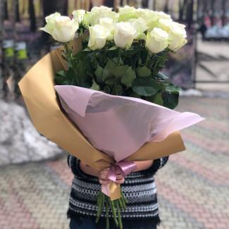 25 Premium White Roses 90cm