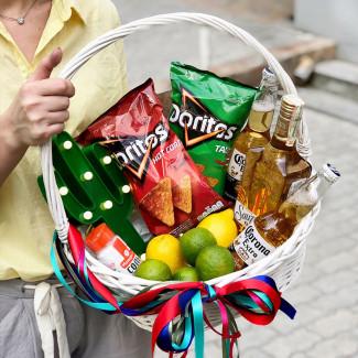 """Gift Basket """"Los Amigos"""""""