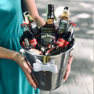 a gift with Jack Daniels whiskey foto