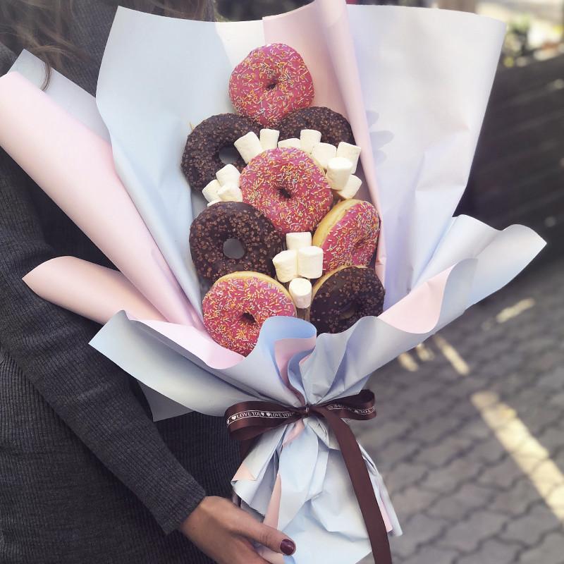 Букет из пончиков фото